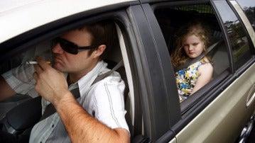 El 53% de los niños cree que sus padres se distraen al volante por atenderles y el 17% asegura que usan el móvil
