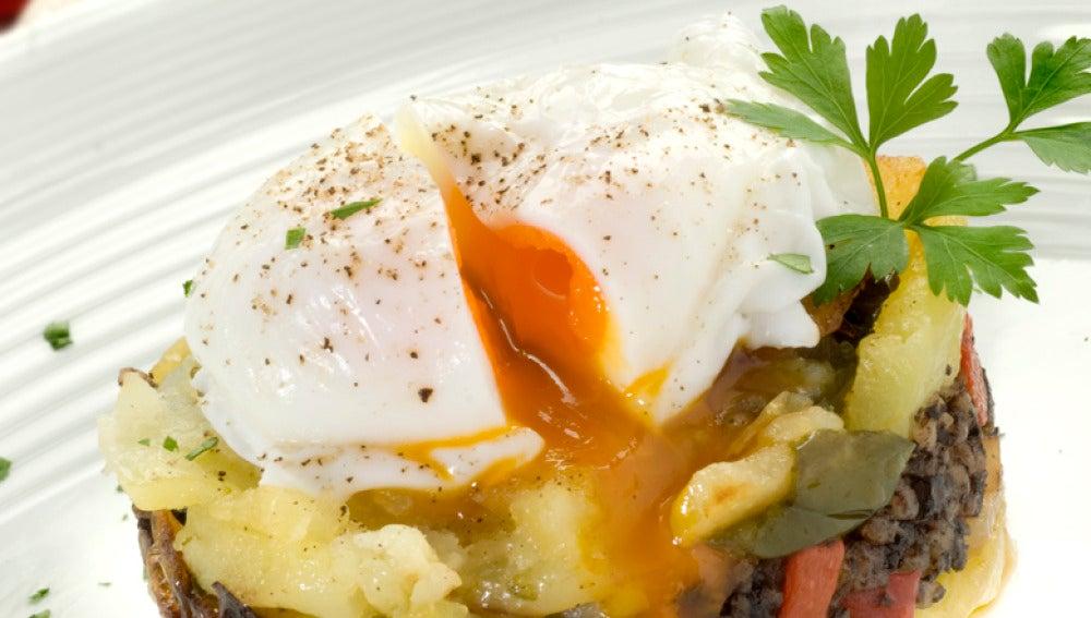 Huevos con patata y morcilla