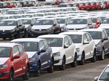 Automóviles en la planta de Volkswagen
