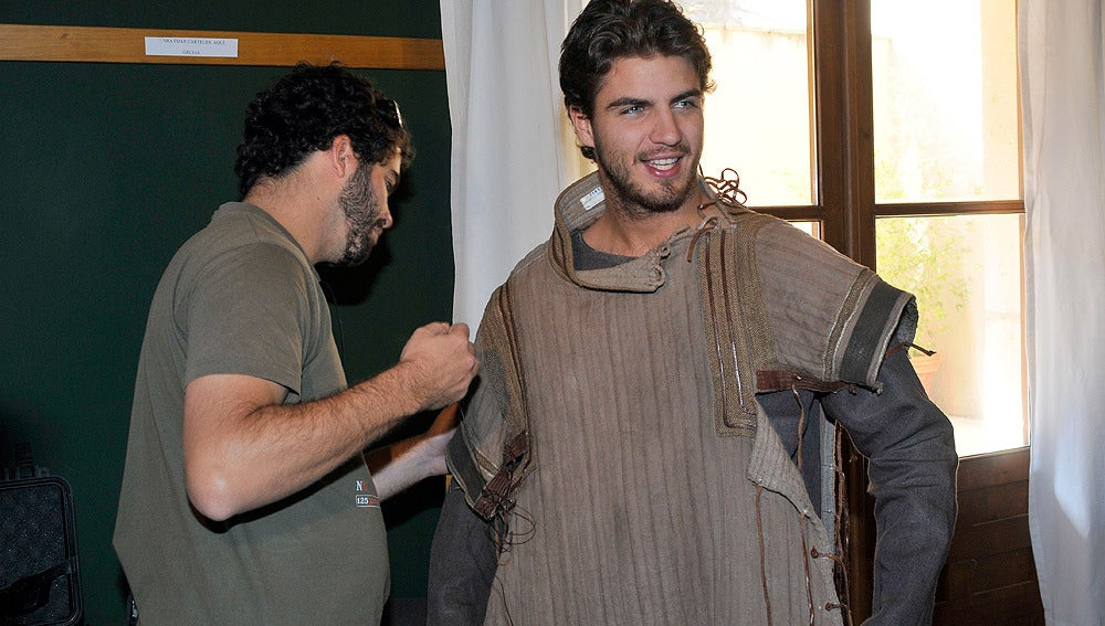 Maxi Iglesias en vestuario