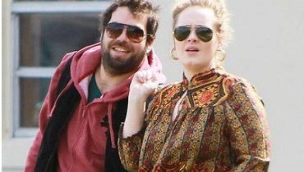 Adele y Simon Konecki