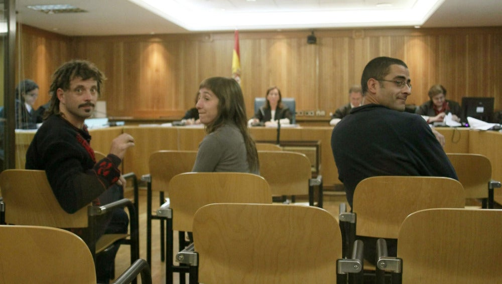 Daniel Pastor Alonso, Beatriz Etxebarria Cabaallero, e Iñigo Zapirain Romano