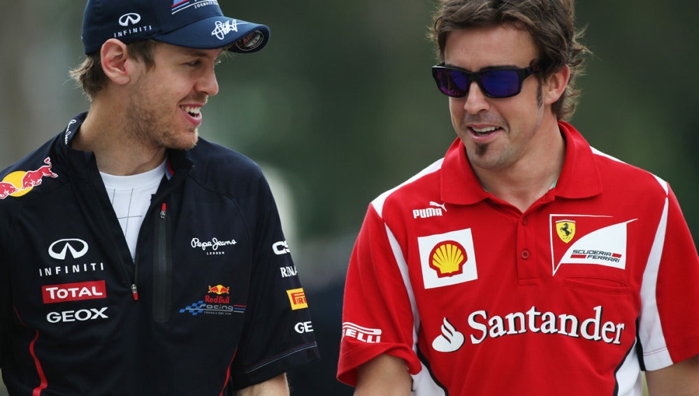Alonso y Vettel conversan en Sepang