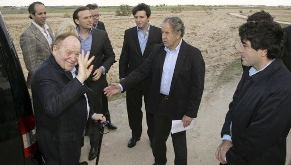 Sheldon Adelson, en los terrenos de Alcorcón