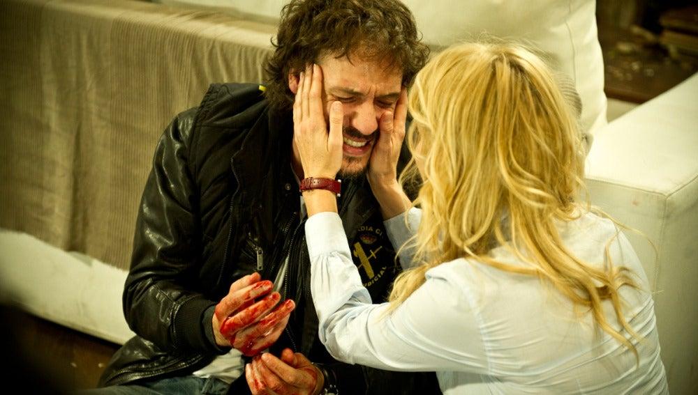 Sara y Raúl llorando