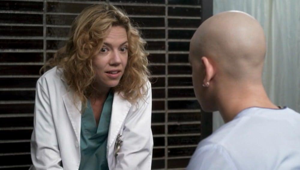 Lleó escucha a la enfermera