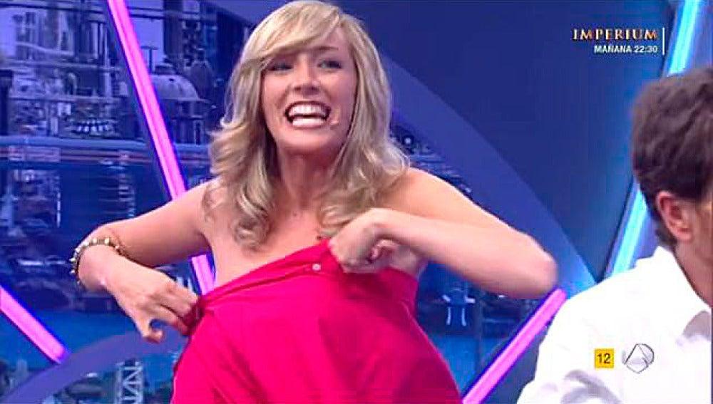 Anna Simón y su camisa-vestido