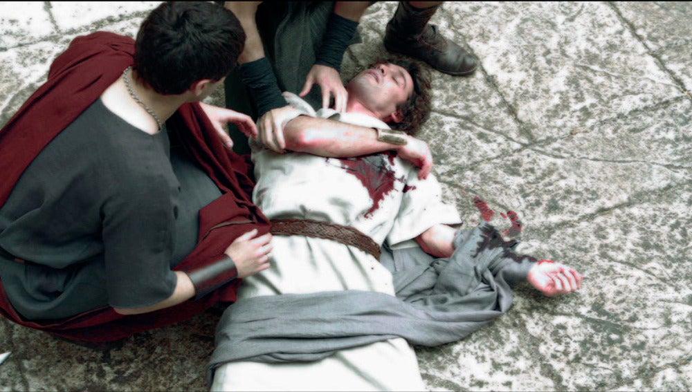 Fabio es asesinado por los hombres de Quinto