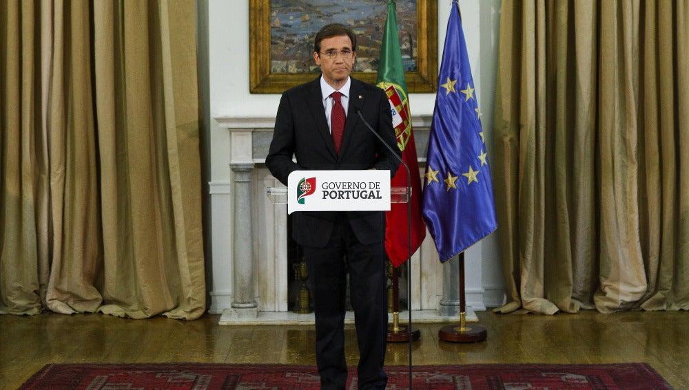 El primer ministro portugués, Pedro Passos Coelho, en rueda de prensa para anunciar las medidas
