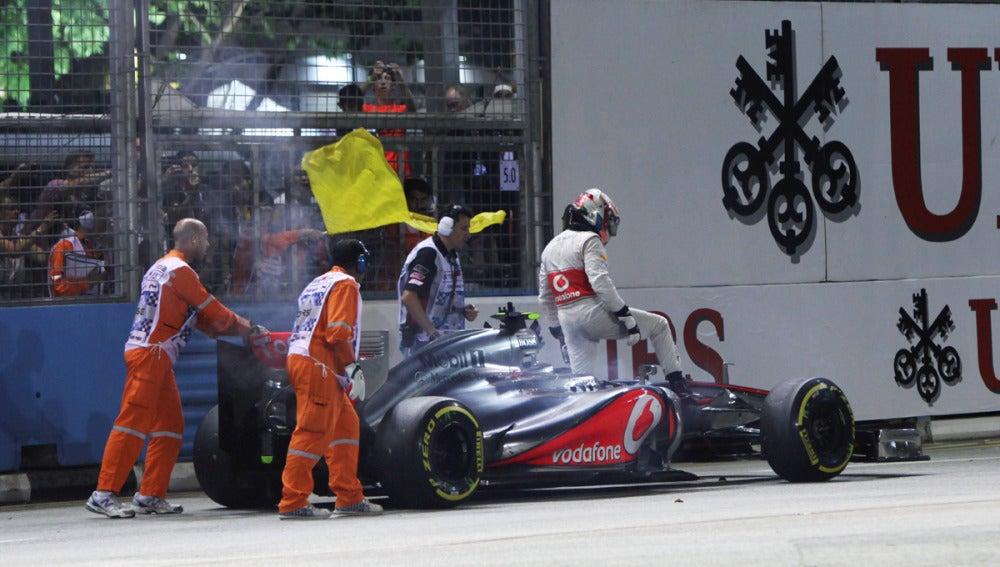 Lewis Hamilton abandona en Singapur