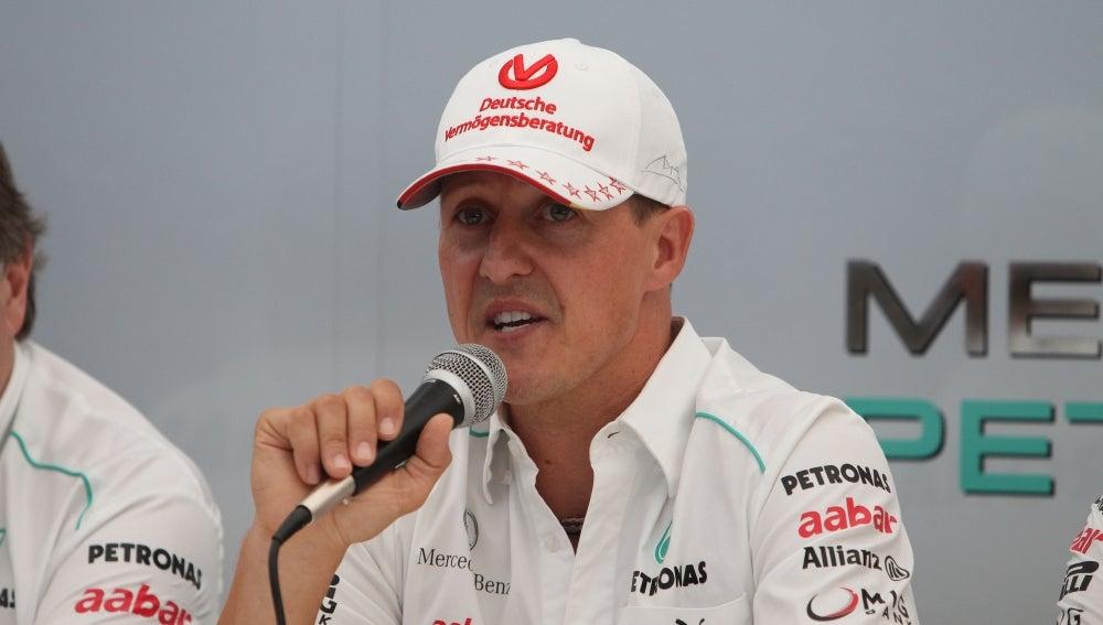 Schumacher anuncia su retirada en Japón.