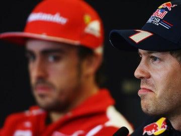 Sebastian Vettel y Alonso en sala de prensa