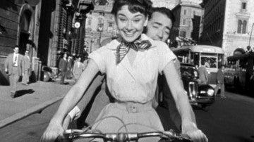 Vacaciones en Roma (1953) nos presentó a una ingenua y angelical princesita