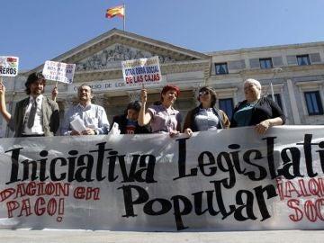Seis mil personas reclaman en Sevilla la paralización de los desahucios