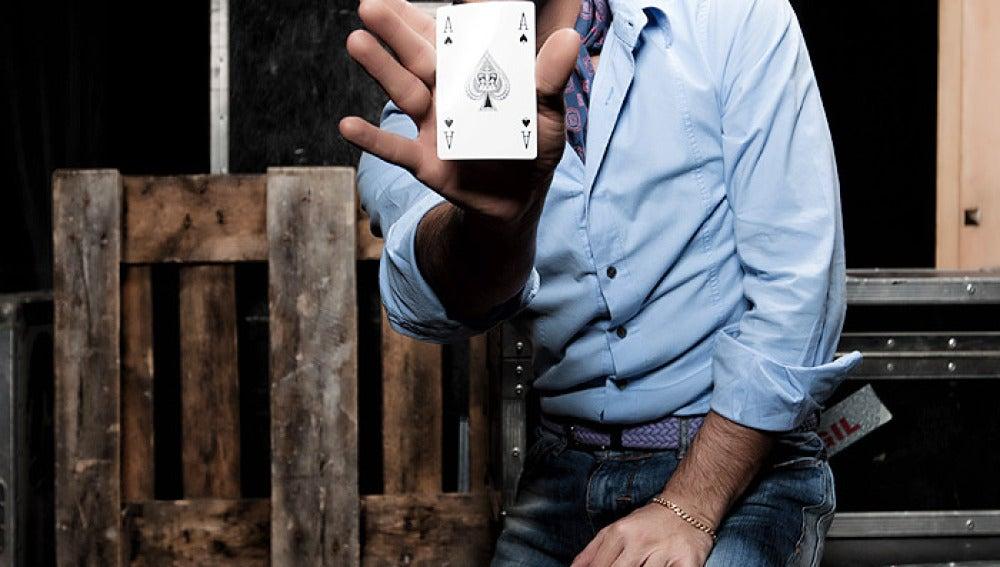 Pitingo nos muestra las cartas