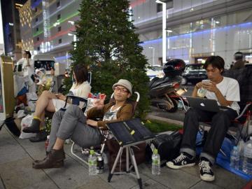 Colas en Tokio para adquirir el nuevo iPhone