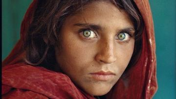 Pakistán, 1984. Sharbat Gula, la niña afgana