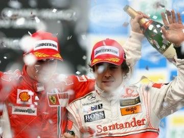 Raikkonen, junto a Alonso