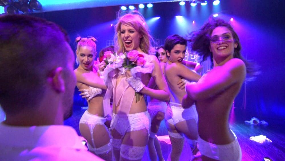 Fany striptease