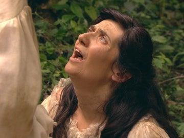Sancha muere en los brazos de Mencía