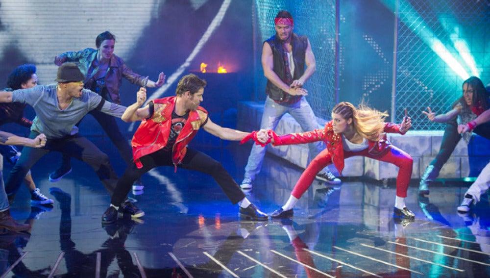"""Laura y David que bailan """"Beat it"""" de Michael Jackson"""