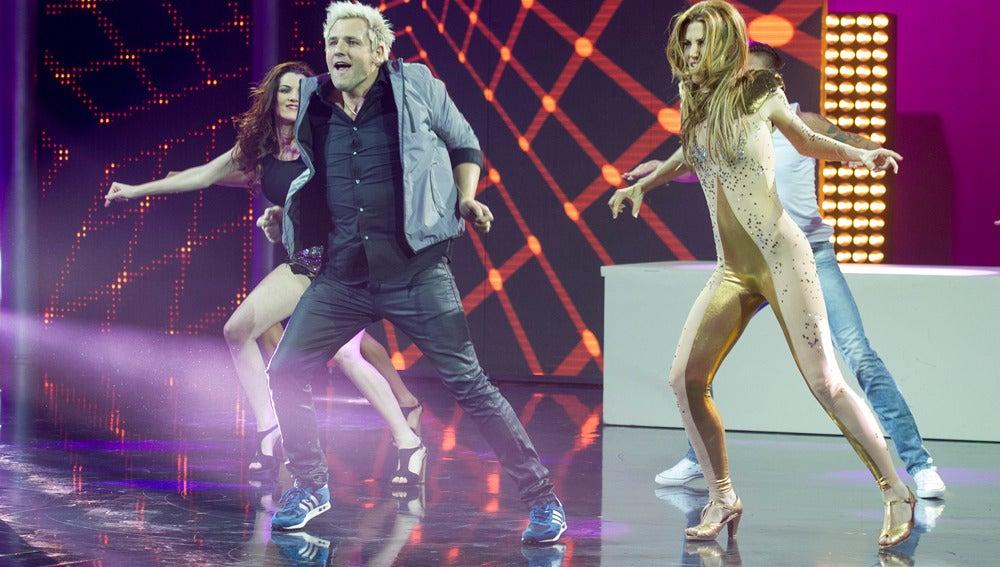 Actuación de Santiago Cañizares y Mayte García