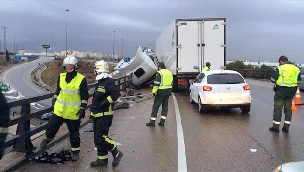 Aparatoso accidente ocurrido el pasado en el ramal que enlaza la M50 con la A4