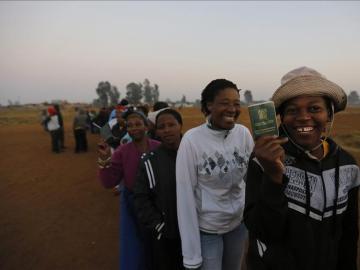 El CNA logra más del 60 por ciento de los votos en Sudáfrica