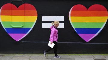 Corazones defendiendo el matrimonio homosexual