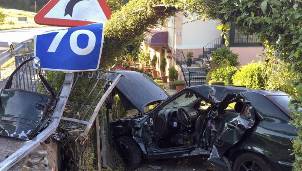 Accidente de tráfico en Vilamarín (Ourense)