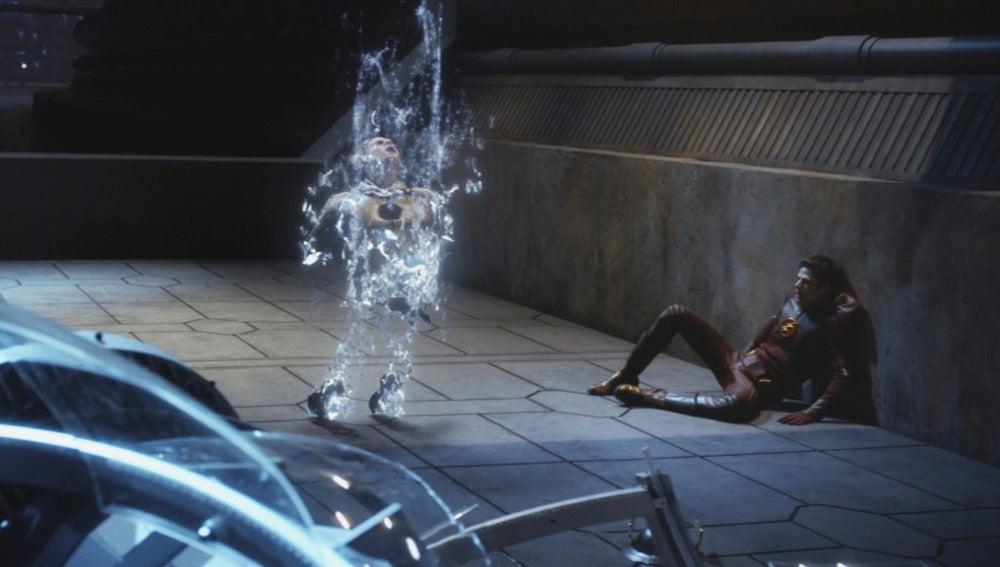 Eddie se sacrifica para acabar con Thawne