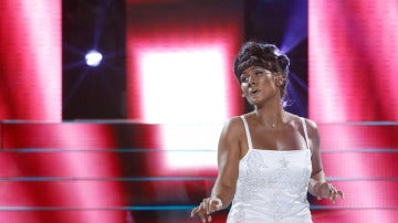 Rosa López imita a Dionne Warwick y canta su éxito 'I say a little pray'