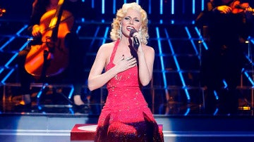 Edurne imita a Christina Aguilera