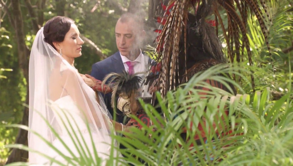 Homenajean a Jonathan y Sabrina  con un ritual maya