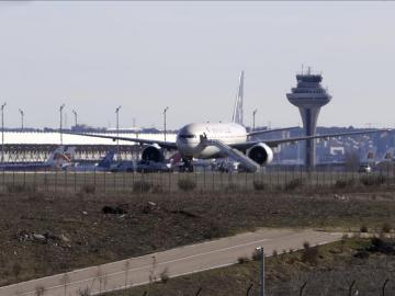 El aeropuerto de Barajas recupera la normalidad tras la amenaza de bomba en un avión Avión de Saudí