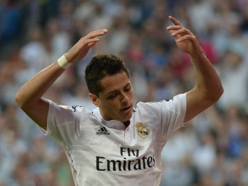 Chicharito con la camiseta del Real Madrid
