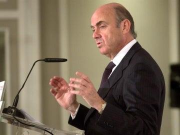 """De Guindos, sobre el exceso de déficit de España: """"El sentido común dice que no va a haber multa"""""""