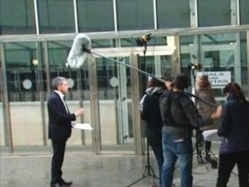 Los presentadores de Antena 3 Noticias salen a la calle para llamar la atención sobre la violencia de género