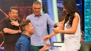 Fernando le pide matrimonio a su chica en directo y se lleva un coche en 'El Hormiguero'