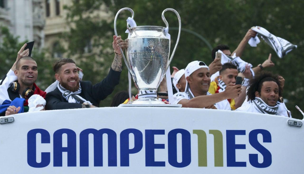 Los jugadores del Real Madrid celebran la Undécima en Cibeles