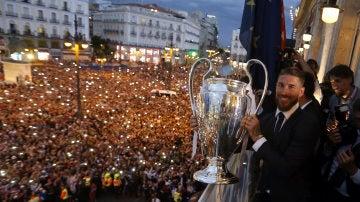 El capitán del Real Madrid Sergio Ramos con la Undécima