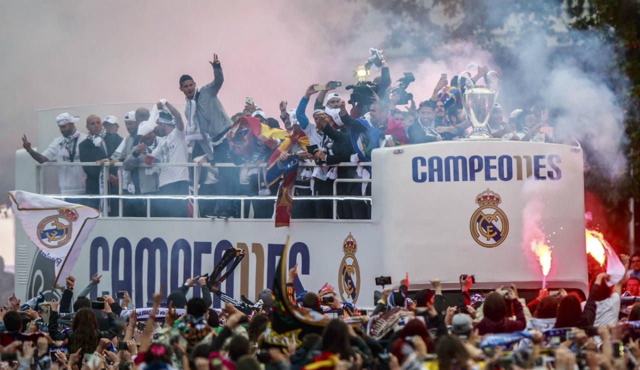 El Real Madrid, de fiesta con su afición