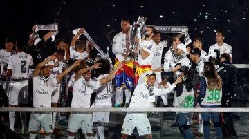 El Real Madrid brinda la Undécima al Bernabéu en una fiesta del madridismo