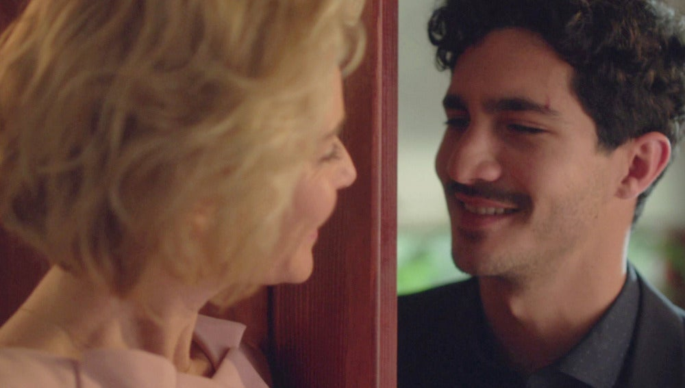 """Carlos a Claudia: """"Coge tu pasaporte y escápate conmigo"""""""