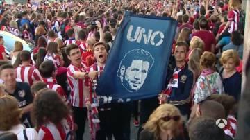 """Miles de atléticos piden la continuidad de Simeone: """"¡Cholo quédate!"""""""