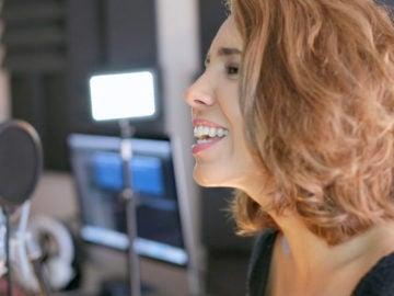 Sandra Cervera canta en directo en Flooxer