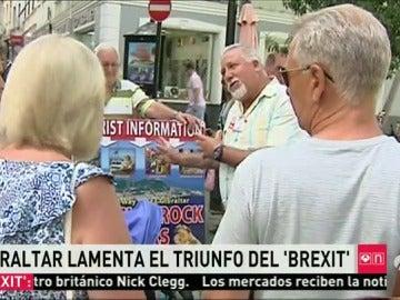 Gibraltar asume la decisión de Reino Unido con enfado e incertidumbre