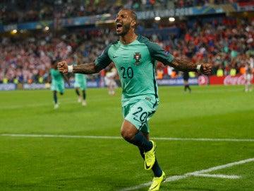 Quaresma celebra su gol ante Croacia en la prórroga