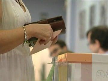 Frame 45.318881 de: Los colegios electorales abren sus puertas a más de 36,5 millones de votantes