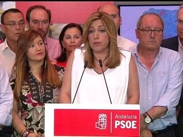 """Frame 6.848238 de: Susana Díaz: """"Nos ha restado credibilidad la hipótesis de que pudiéramos alcanzar el gobierno mediante un acuerdo con Podemos"""""""